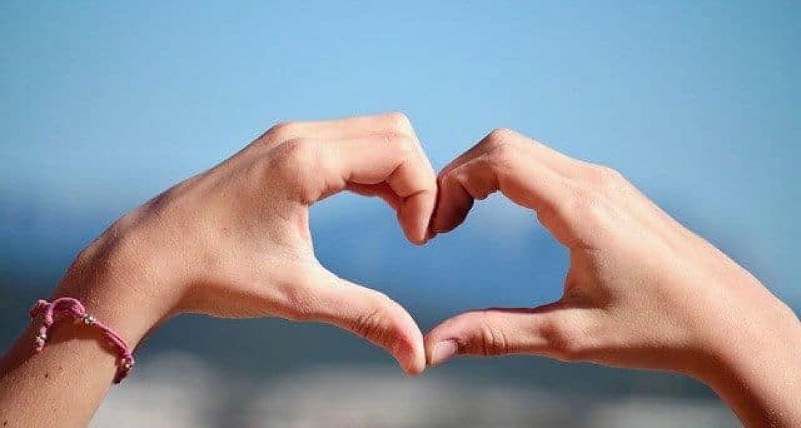 איך תקשורת בין בני זוג מסייעת לזוגיות מוצלחת?